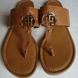 SIZE 9,5.Tommy Hilfiger  AWSIA  Thong Sandals .